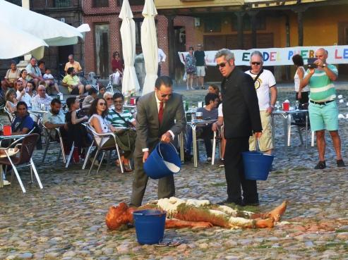 """""""La plaza viva"""" Destrucción de la plaza"""