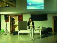 Performance Laura medios comunicación